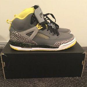 JORDAN Spizike BG shoes